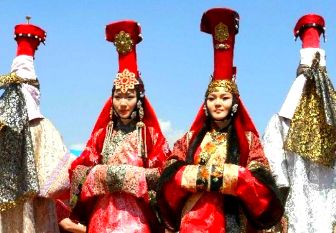 Mongolian wedding clothes