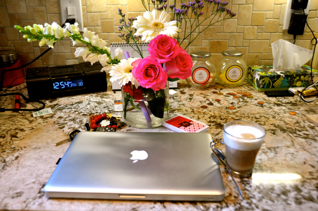 My-mac-book-pro-and-cappuccino