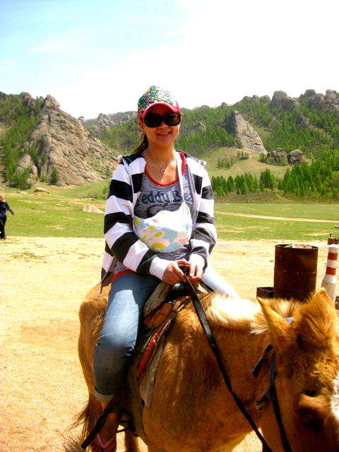 horse back riding Mongolia