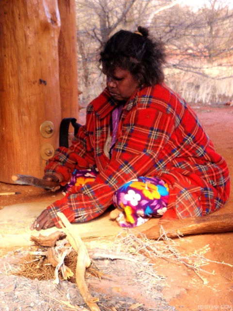 Aboriginal-People-in-Uluru-Australia