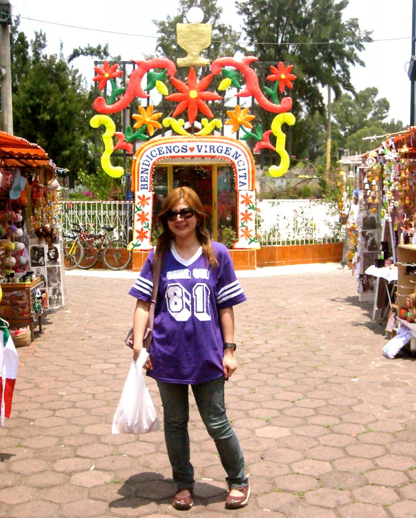 shopping at xochimilco-mexico