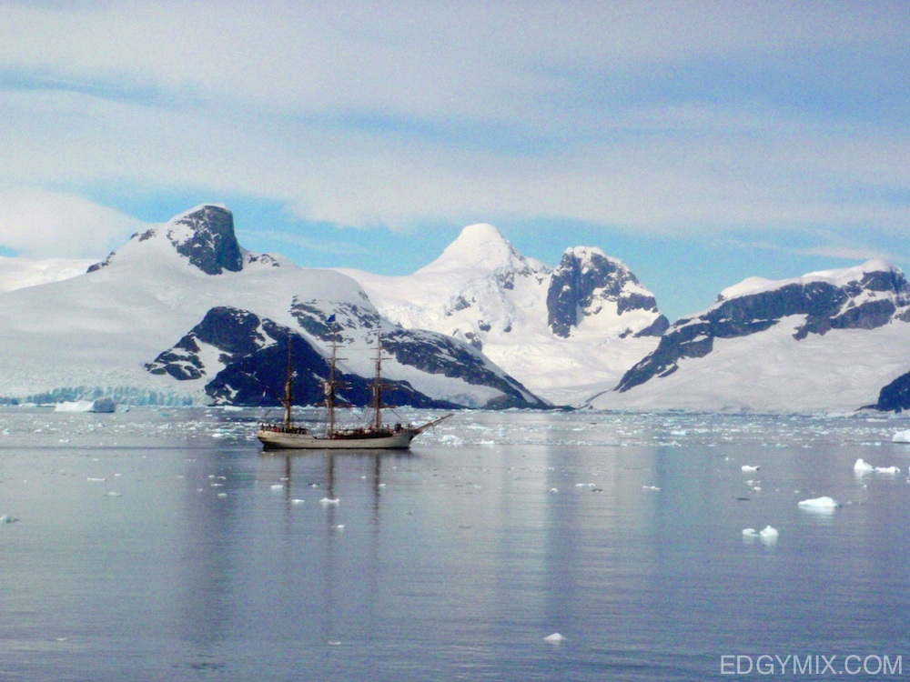 Oldest-Ship-to-Antarctica
