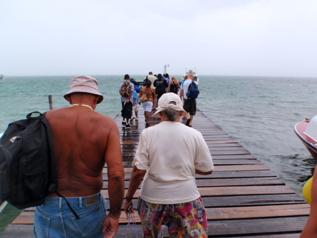 People-leaving-Belize