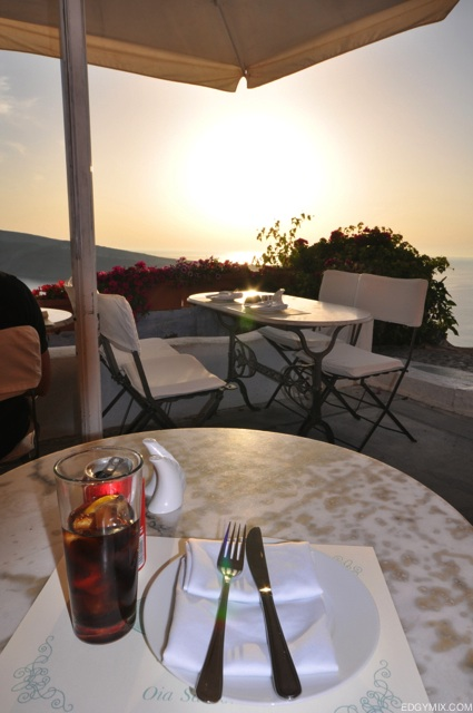 Sunset dinner at Santorini