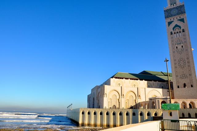 great mosque by the ocean at casablanca