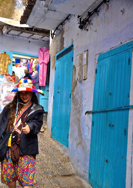 shopping at chefchaouen morocco