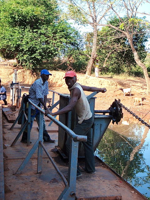 bridge-crossing-in-guinea.
