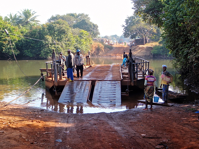 crossing-a-river-in-guinea
