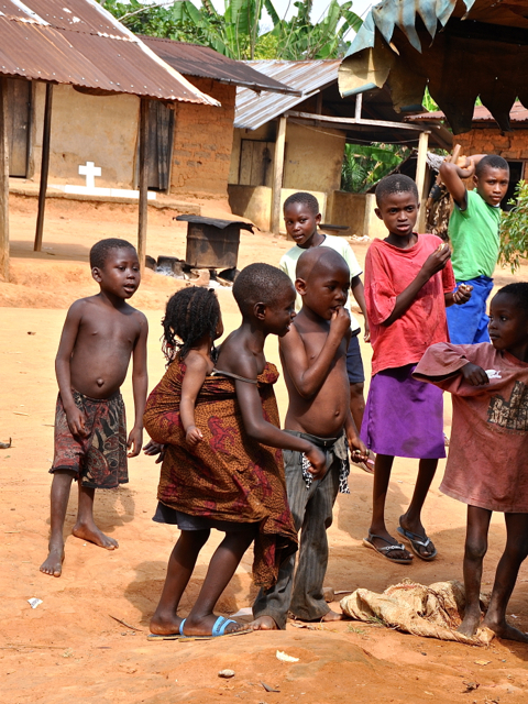 kids in Afi mountain, nigeria