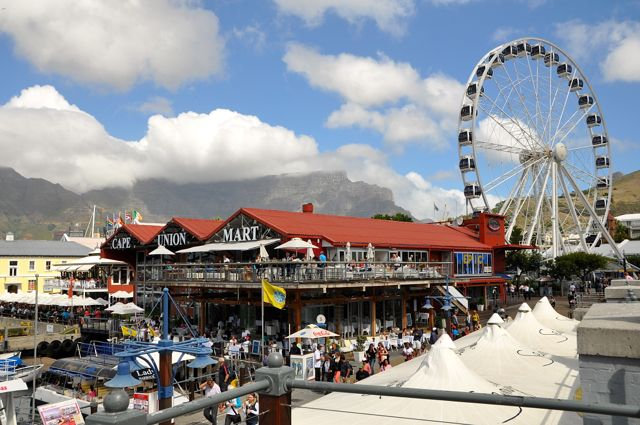 shopping and eating at the waterfront, cape town