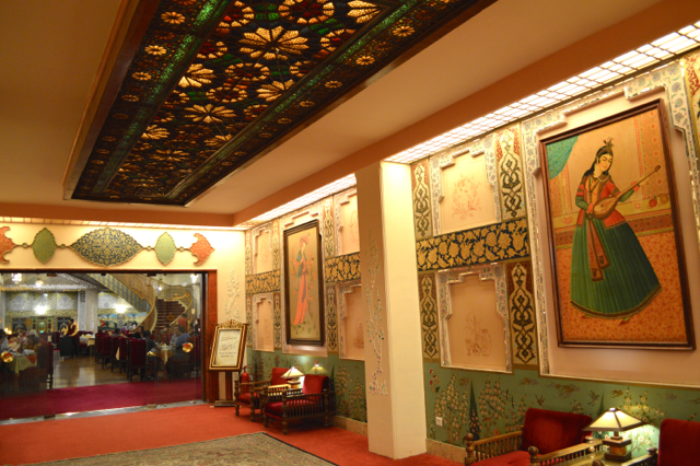 oldest hotel in the world isfahan abbasi
